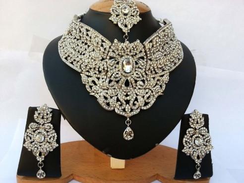 Parure indienne plaqué argent pierres cristal blanc mariage
