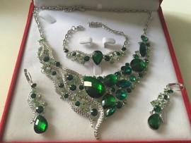 Parure plaqué argent mariage strass vert royal
