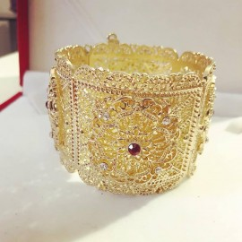 Bracelet en plaqué or strass